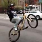 もう前輪いらないよね?自転車ウイリーで何処までも市街地を走る!