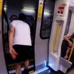 【面白勝負】地下鉄を降りて次の駅まで全力ダッシュ!さっきの地下鉄に乗れるのか!