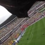 サッカースタジアムを舞う鷹が撮影!GoProカメラって凄いなぁ!