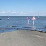 渡りきれない人が続出!1日に2回だけ現れる海の道、巨大砂州パサージュ・デュ・ゴワ!