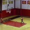 30秒で4シュート決められれば1万ドル!バスケ未経験の生徒が奇跡を起こす!