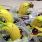 【画像】デザートはコレに決まり!キュートなバナナのイルカさん!