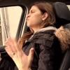 夫の車の中でラップを歌う妻!撮影されていた事に気がついた時のリアクション!