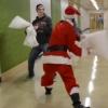 マクラバトル勃発!サンタクロースからの枕プレゼントが戦いの合図!