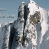 アラスカの切り立った山の狭い隙間を猛スピードで滑るスキーヤー!