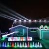 完成度が凄いぞ!スター·ウォーズの音楽に同期したクリスマスイルミネーション!