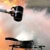 超危険!油の火災を水で消火しようとするとこうなる!