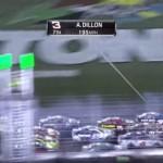 デイトナ大規模クラッシュ!オースティンディロンの車がフェンスに飛ぶ!