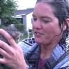 僕でも救えただろうか?排水溝に落ちた子猫を救助する女性!