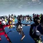 ギネス世界記録!164人のグループでスカイダイビング!