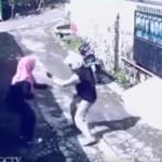 強盗なのに面白い!バイクの強盗にサイフを奪われた女性が!?