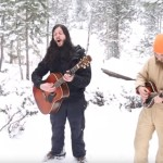 ギターと歌と狼と!雪山で神秘のコラボレーション!