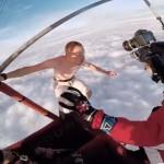 パラシュートなしのスカイダイビング