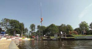 奇妙なスポーツ!フィーエルヤッペンで運河ジャンプ!