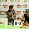 ホットドッグ早食い対決、小林尊VSハムスター!?体重差を考慮したフードバトルが妙に面白い!